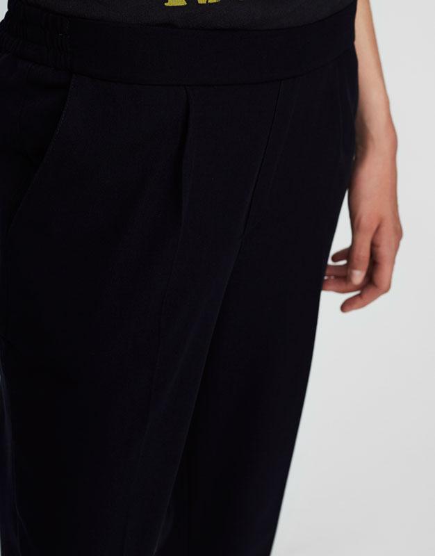 Pantalón jogging tipo tailoring