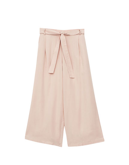 Culottes with tied belt
