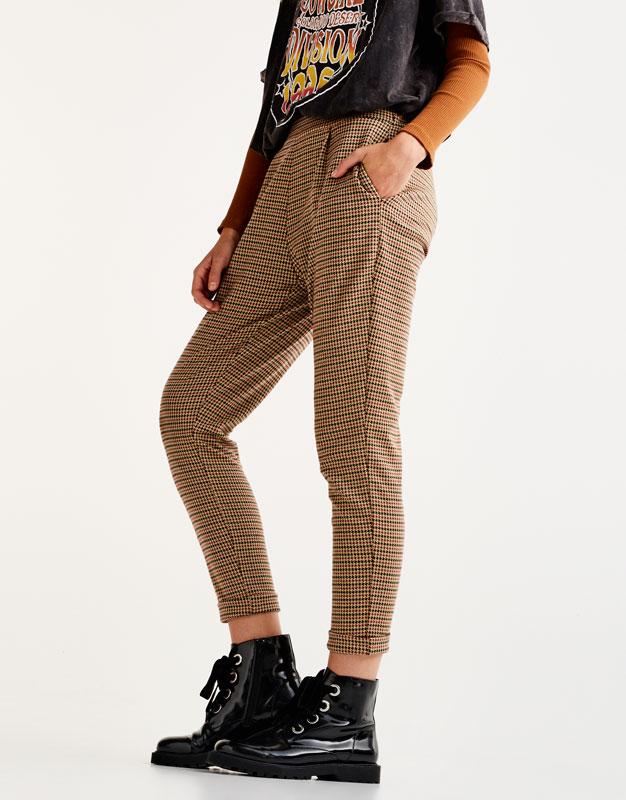 Pantalón tipo tailoring pata de gallo