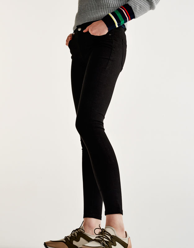 Body curve coloured jeans