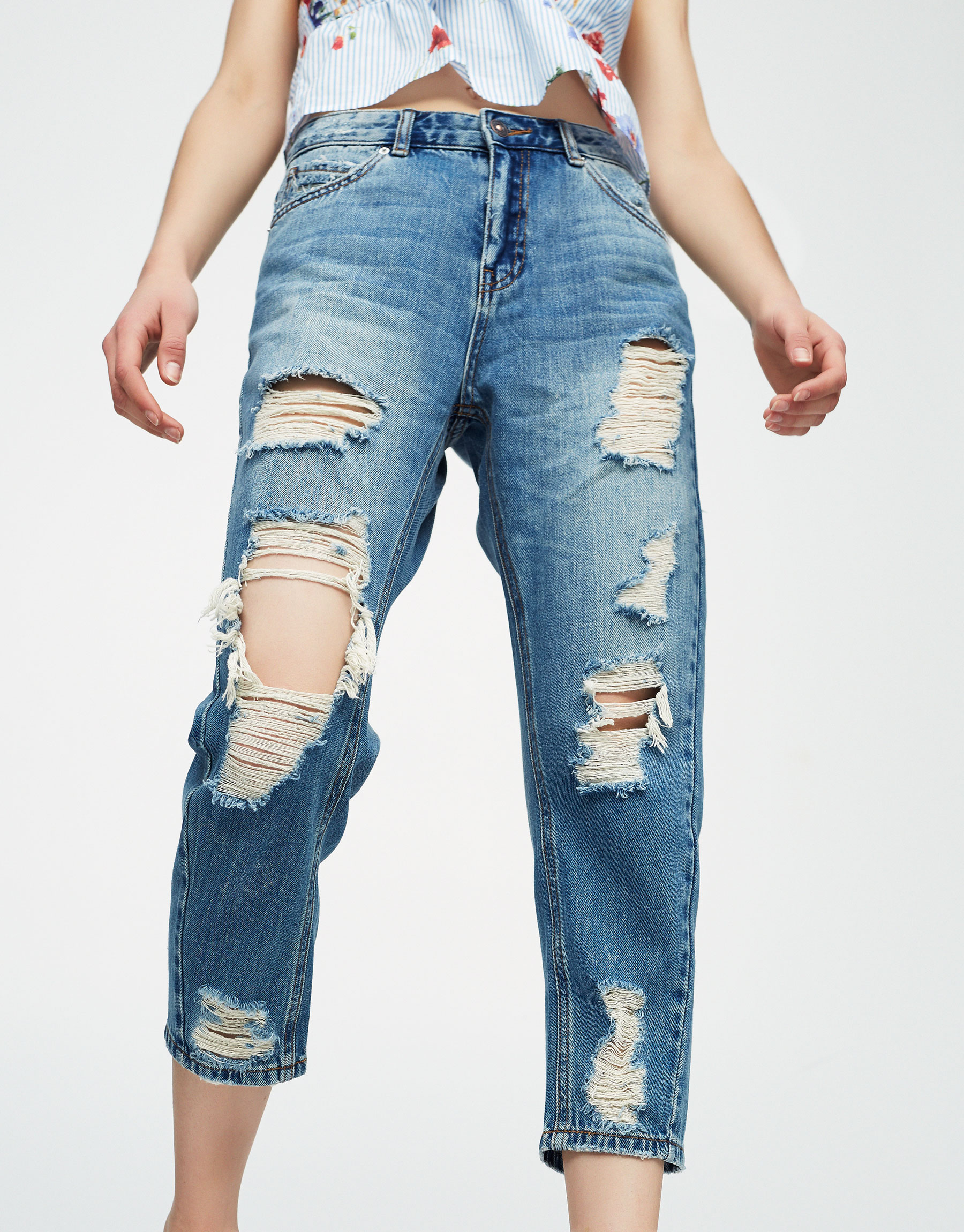 Ripped baggy fit jeans