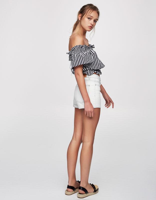 High waist jean shorts with turn-up cuffs