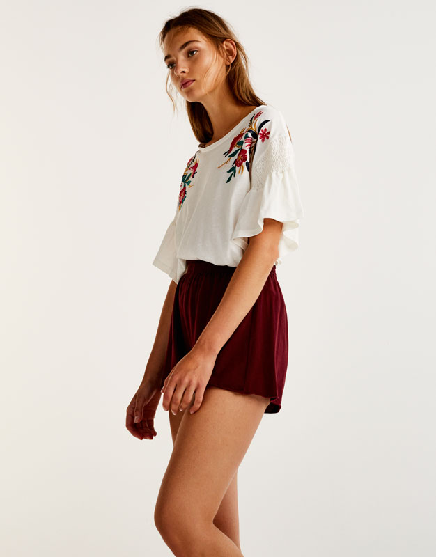 Plush jersey shorts with an elastic waistband