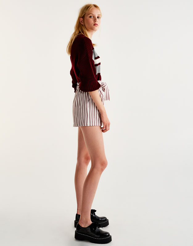 Tailored shorts with maroon stripes