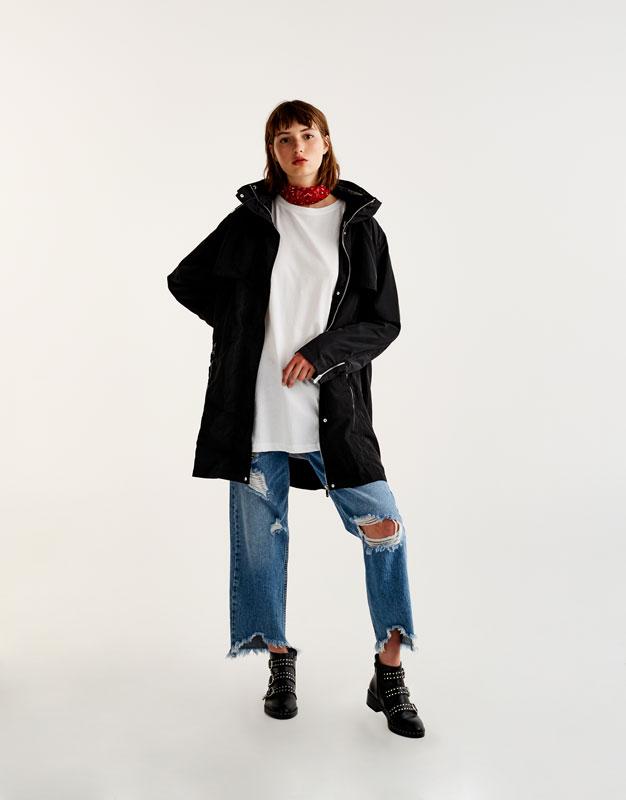 Lightweight parka with pockets