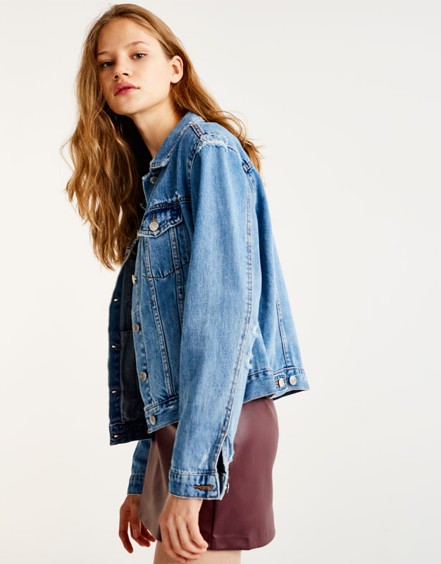Fitted denim jacket with rips