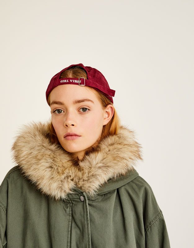 Short parka with faux fur collar