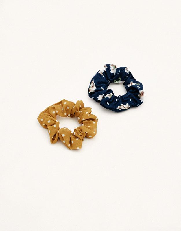 2-pack of polka dot and floral print hair ties