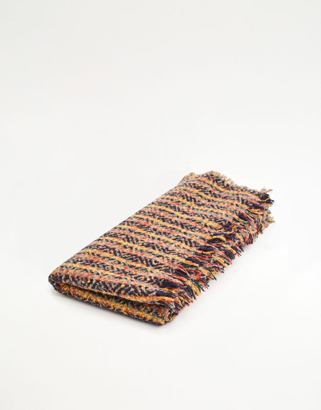 Bufanda con detalles multicolor