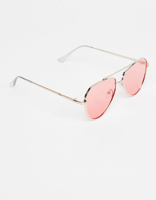 Aviator sunglasses with pink mirror lens