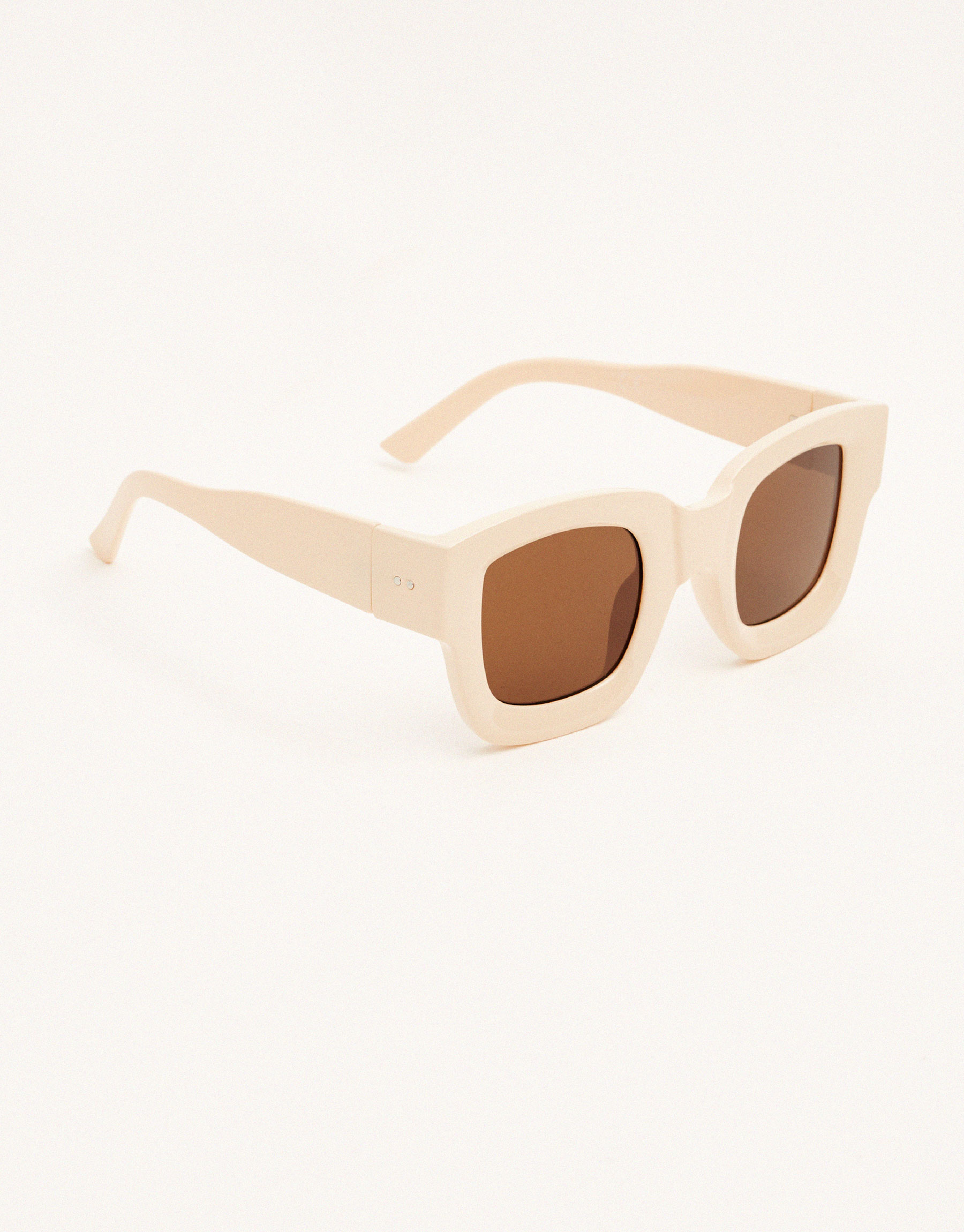 Square cream sunglasses