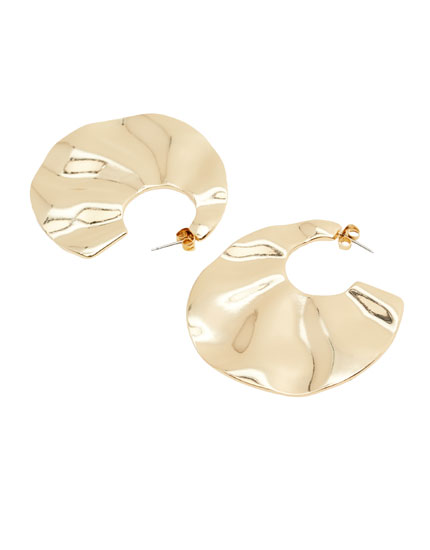 Gold wavy earrings