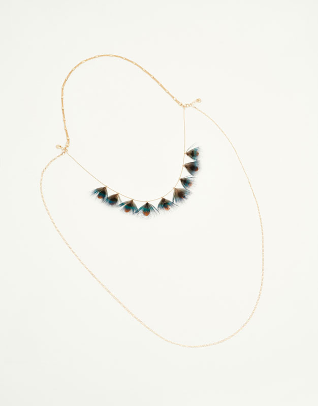 Necklace with stones and feathers