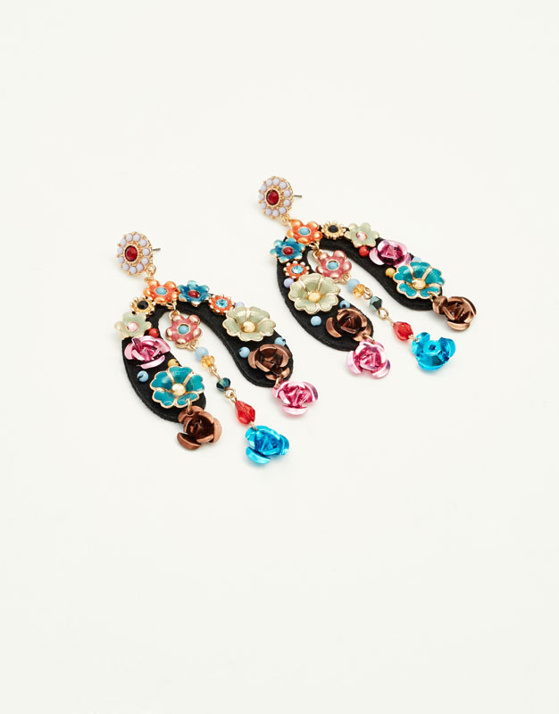 Horseshoe and floral earrings