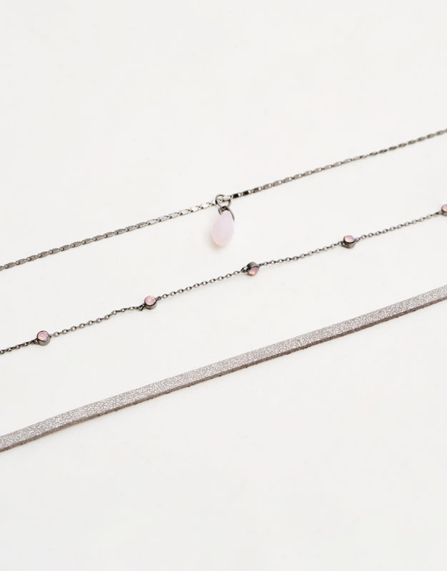 3-pack of necklaces with stone charms