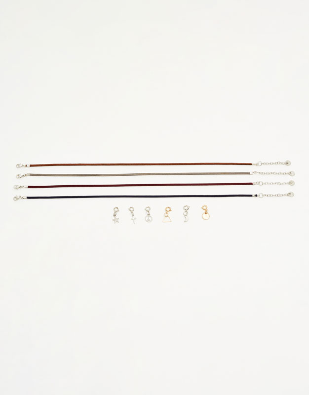 Pack 4 chokers con colgantes