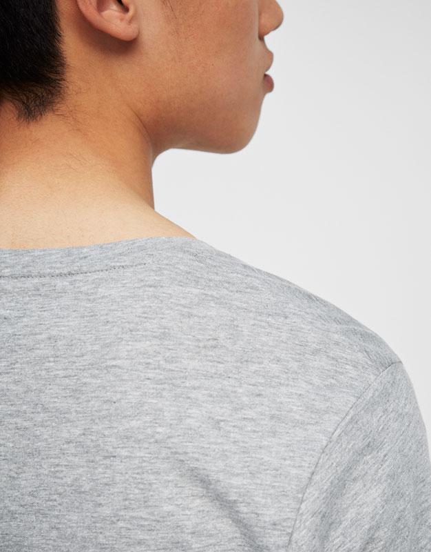 Samarreta bàsica coll en punta