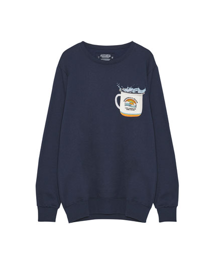 Sweatshirt with cup print on the pocket