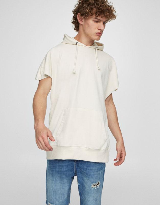 Sleeveless sweatshirt with hood