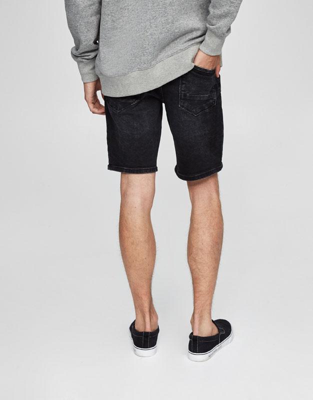 Schwarze Jeansbermudas im Washed-Look