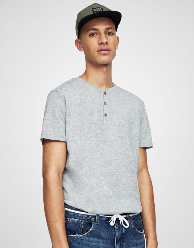 Camiseta básica botones