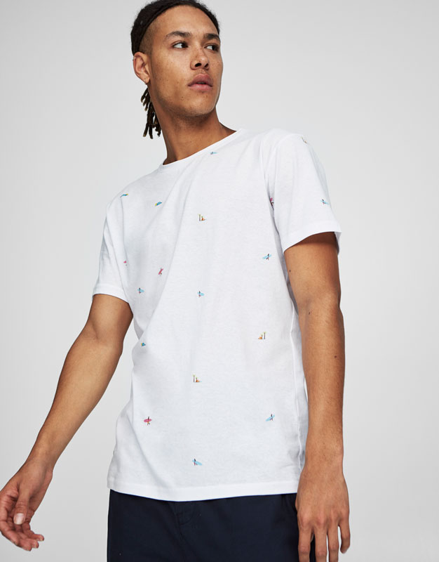 T-shirt with all over surfers print