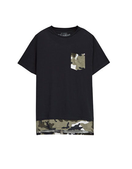 T-shirt with camouflage pocket and hem