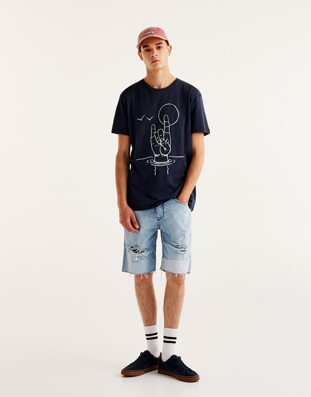 T-shirt with embroidered hand