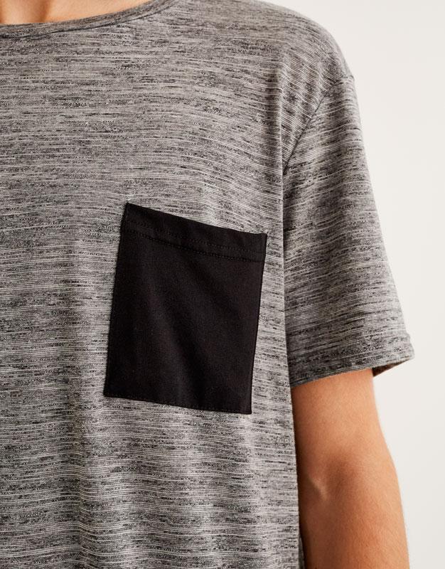 Contrast pocket textured T-shirt