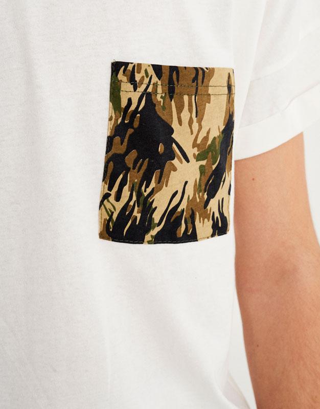Camouflage-Shirt mit Tasche