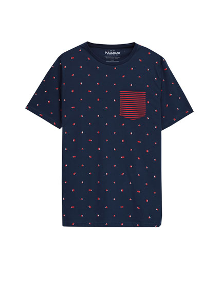 T-shirt with a striped print pocket