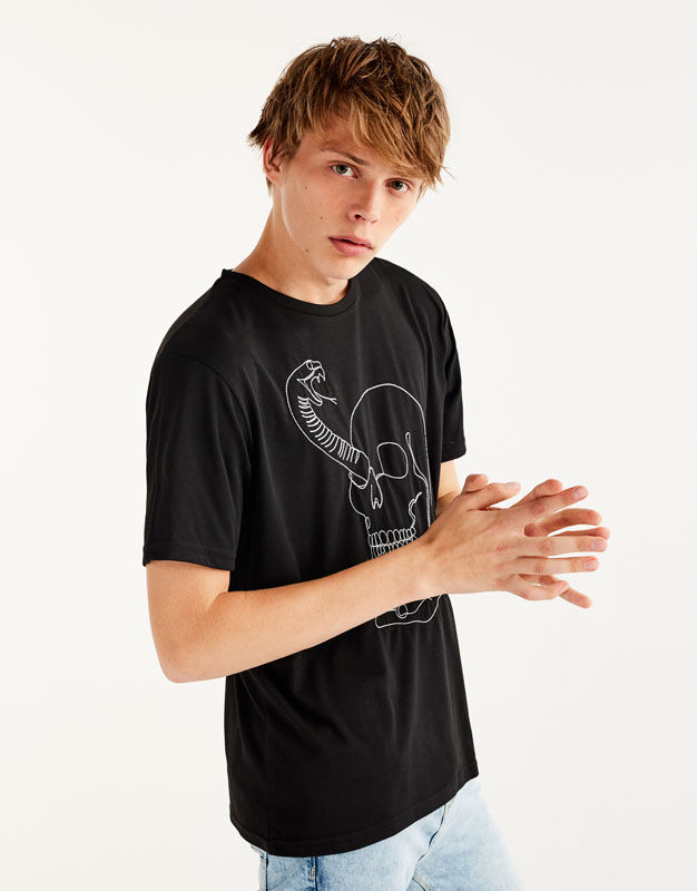 T-shirt with embroidered skull