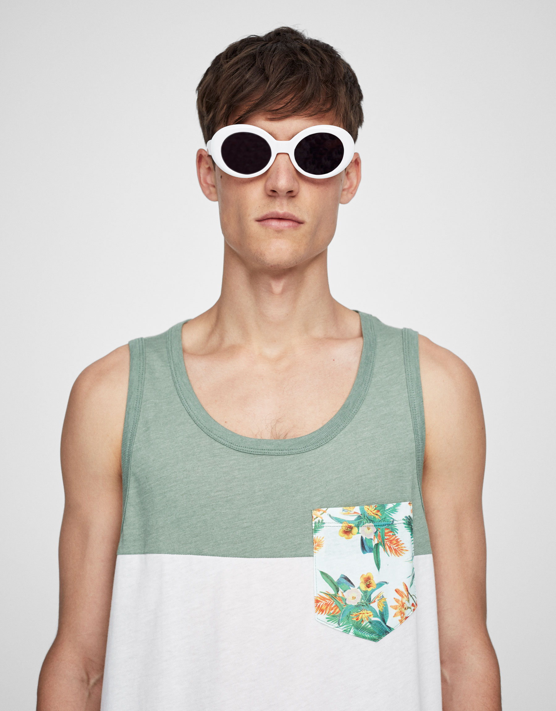 Tank top with floral print pocket