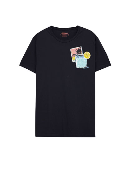 T-shirt with graphic print pocket