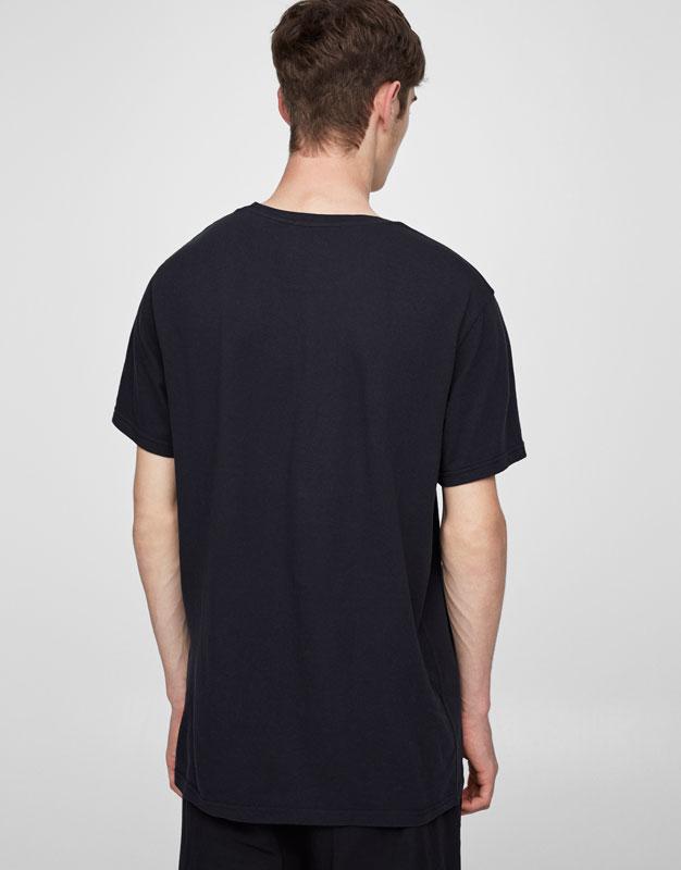 T-Shirt mit Coladose