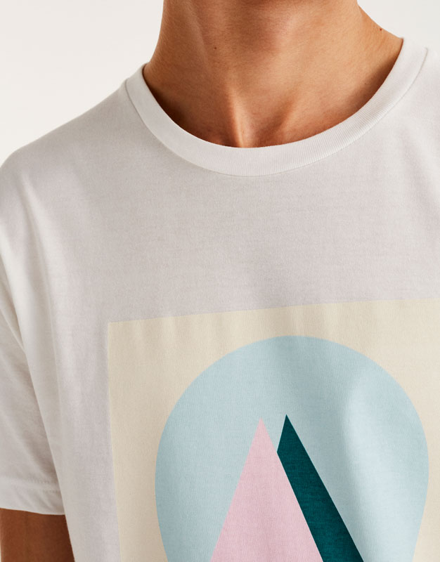 Pastellfarbenes Shirt mit geometrischem Print