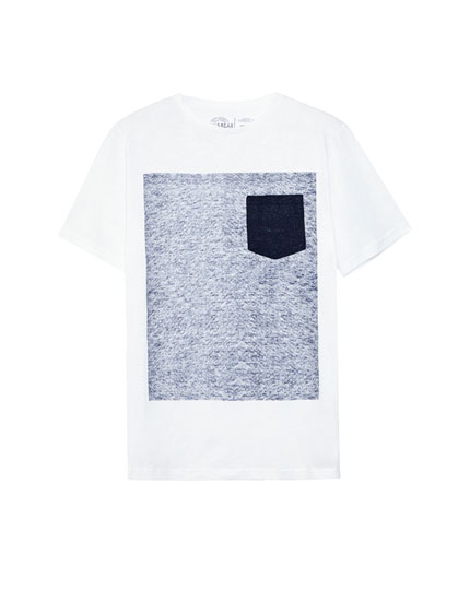 T-shirt with printed graphic and contrasting pocket