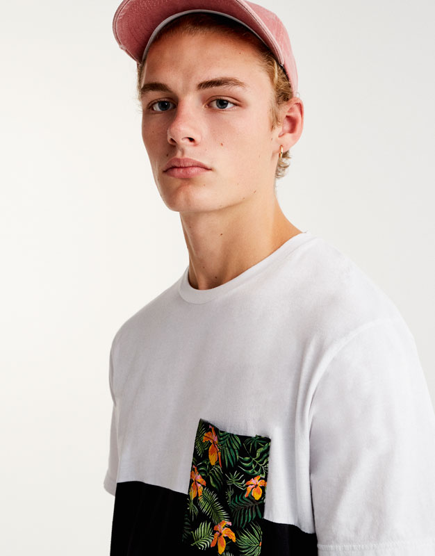 Panels T-shirt with floral print pocket