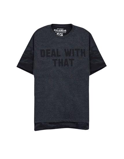 T-Shirt mit Camouflageprint