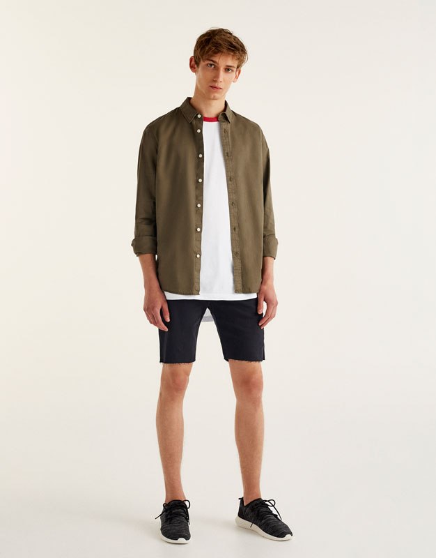 Unifarbenes Twill-Shirt