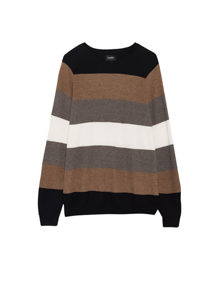 Sweater with tanned stripes