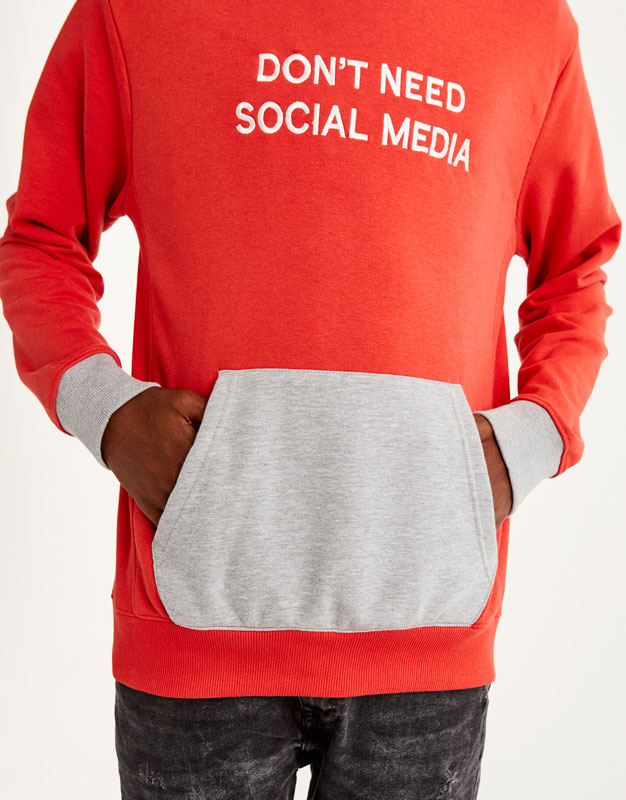 Two-tone hoodie with slogan
