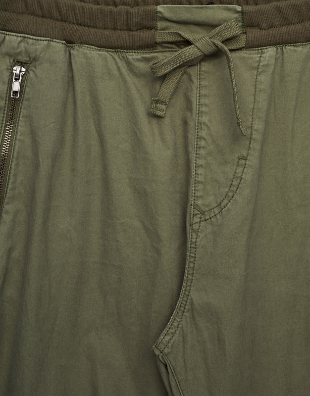 Beach trousers with zips