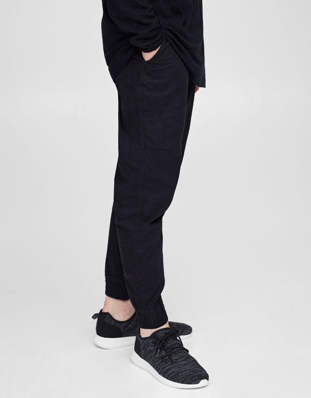 Pantalon style chino élastique à la cheville