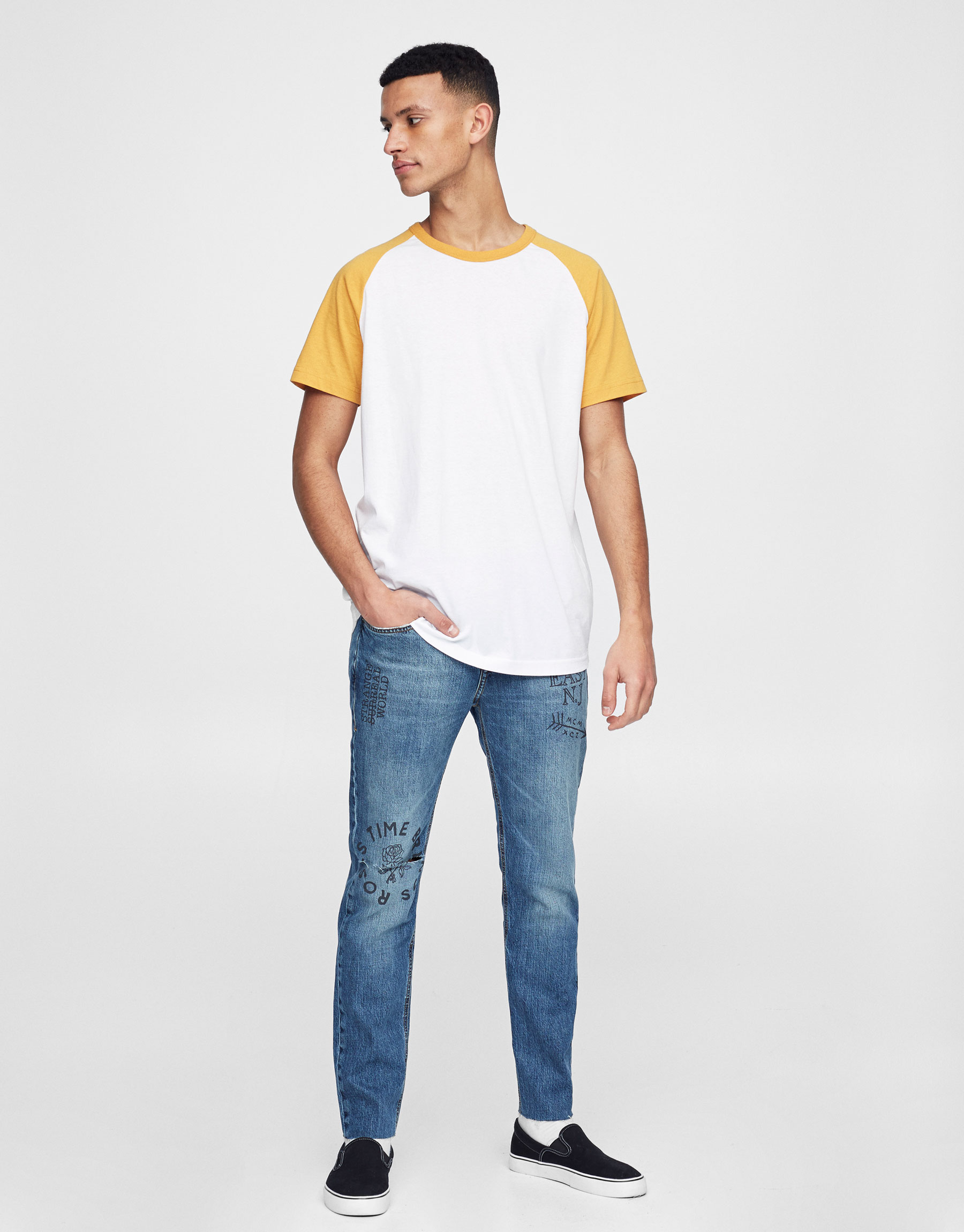 Slim fit jeans with slogan print