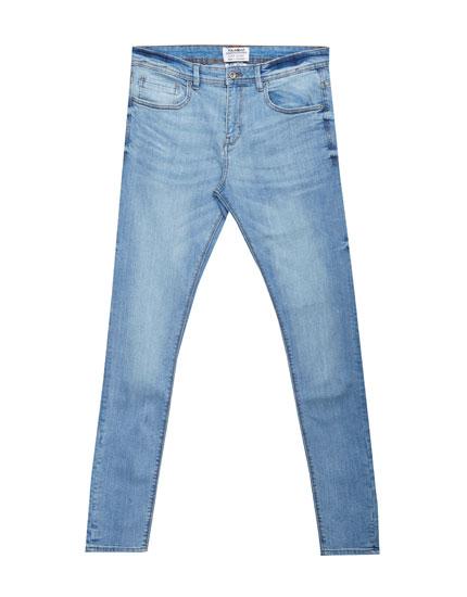 Klassische blaue Superskinny-Jeans