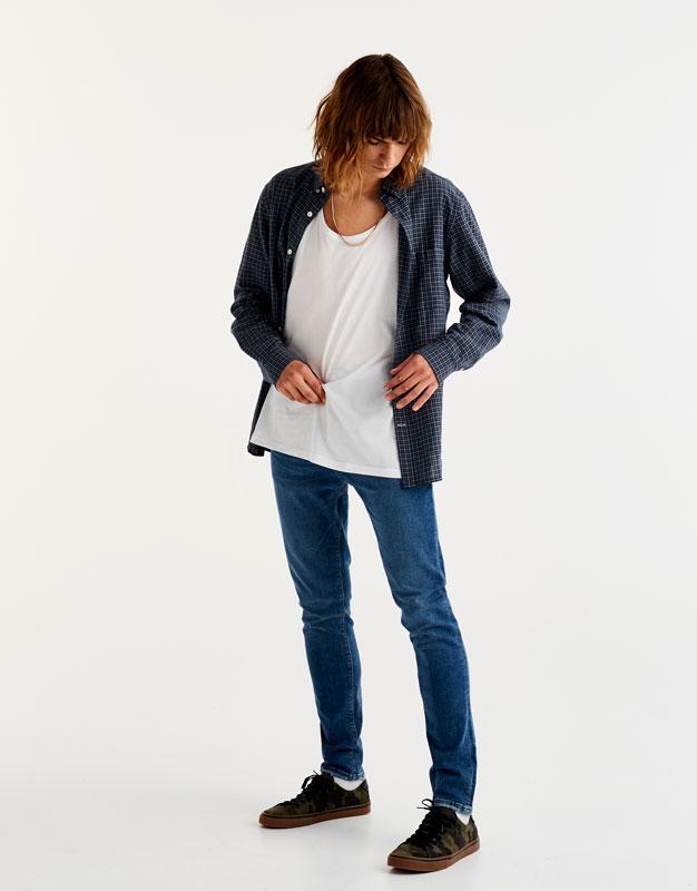 Skinny-Fit-Jeans in klassischem Blau
