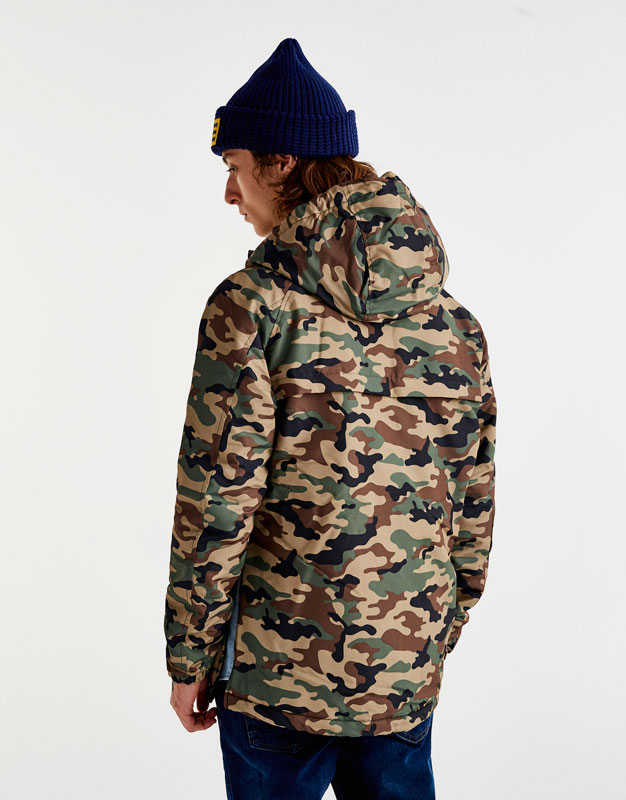 Lightweight jacket with pouch pocket and hood