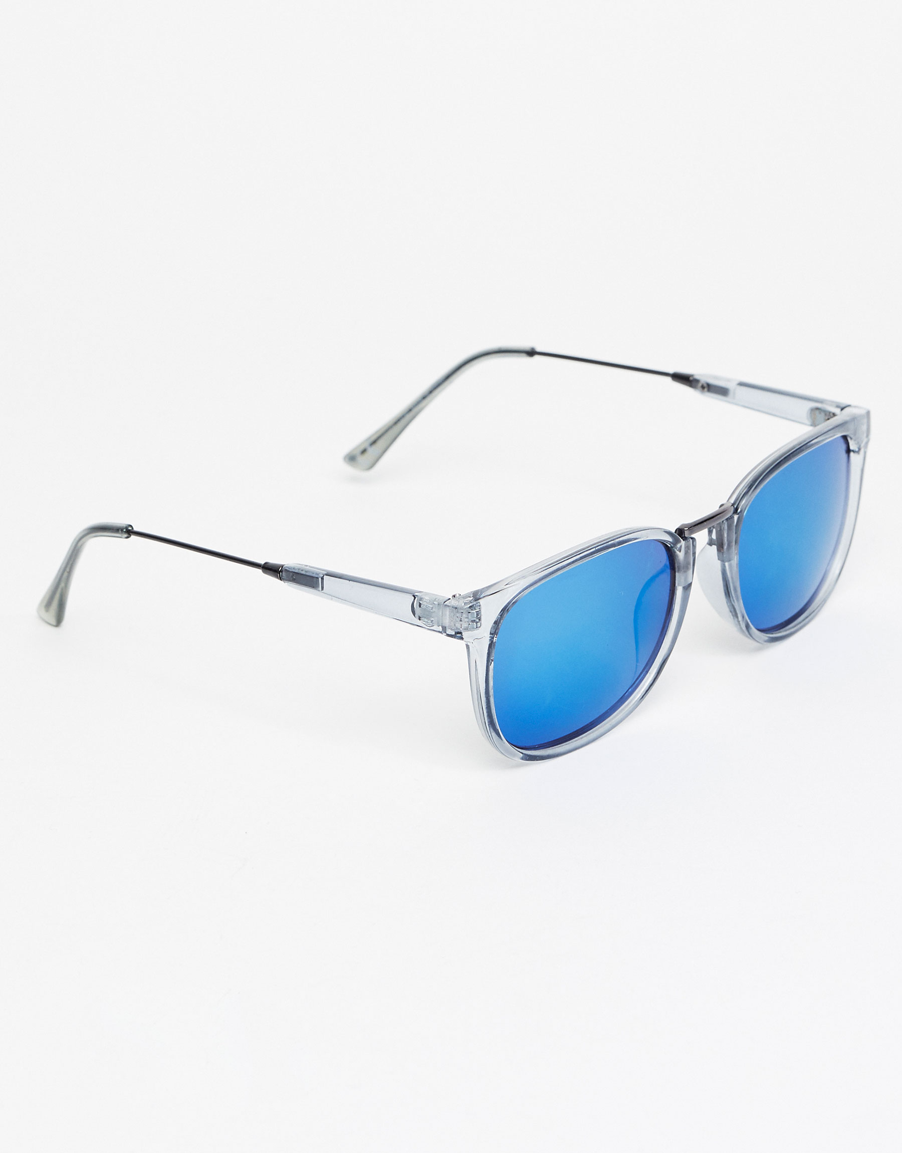 Transparent resin sunglasses
