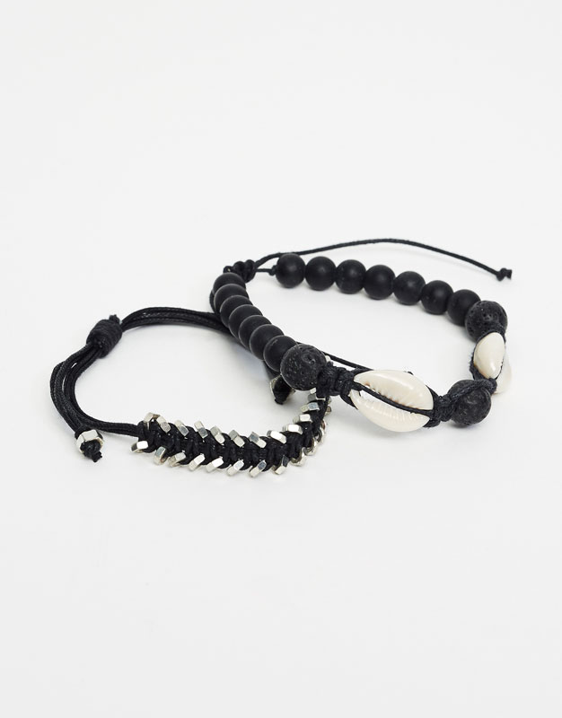 Armbänder mit schwarzen Perlen